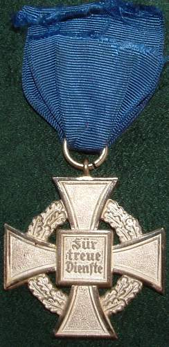 Click image for larger version.  Name:German Medal Coll (61).JPG Views:72 Size:103.6 KB ID:44616