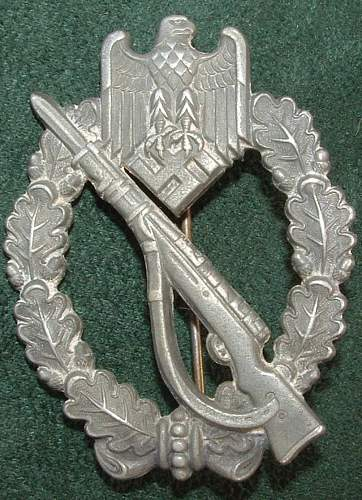 Click image for larger version.  Name:German Medal Coll (78).JPG Views:74 Size:140.4 KB ID:44621