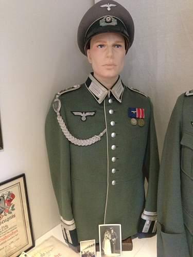 Object + Photo in wear pre 1945