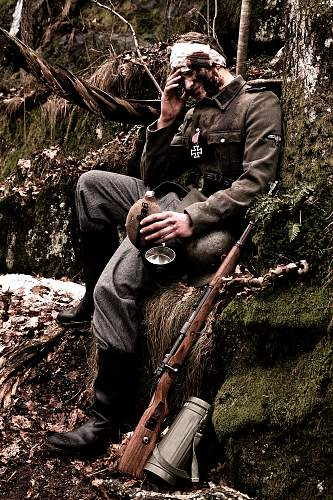 Click image for larger version.  Name:Waffen-SS-soldier.jpg Views:986 Size:242.7 KB ID:470199