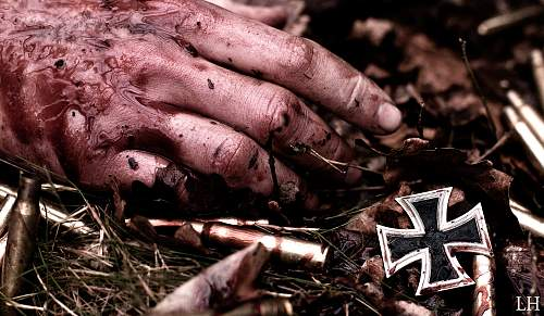 Click image for larger version.  Name:Waffen-SS-photo.jpg Views:121 Size:226.6 KB ID:470212