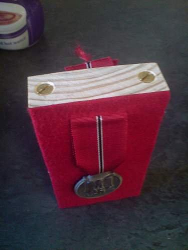 How to make medal stands DIY style