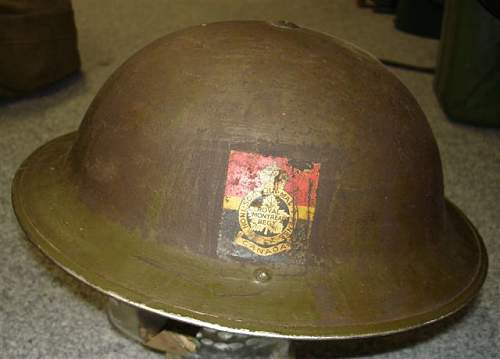 Click image for larger version.  Name:Militaria 2007 2325.jpg Views:234 Size:37.8 KB ID:52072