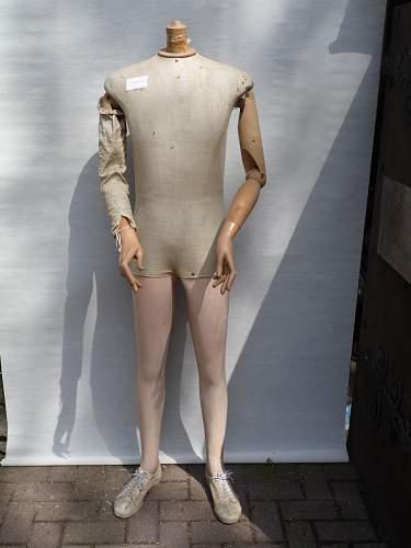 Click image for larger version.  Name:mannequins 023.jpg Views:33 Size:159.3 KB ID:522636