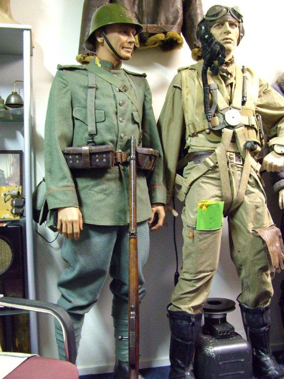 Display of Mannequins (mixed axis and allies)