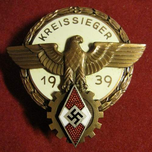 Click image for larger version.  Name:250 Kreissiger Badge - Wagner.JPG Views:70 Size:204.9 KB ID:635334