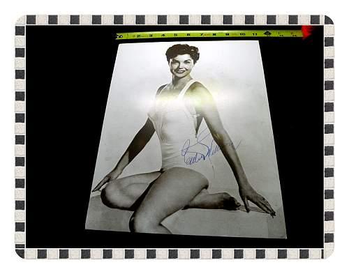 Click image for larger version.  Name:War Art & Pinup GirlsWar Art & Pinups 024.jpg Views:9 Size:38.9 KB ID:676460
