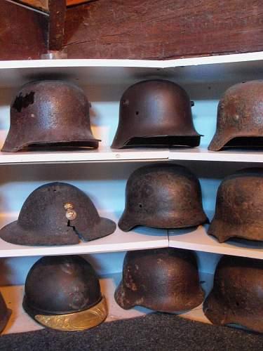 relic helmet display