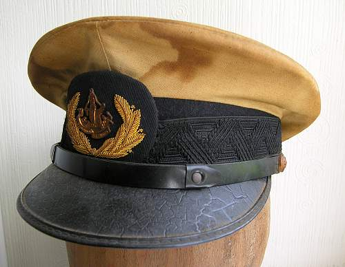 Click image for larger version.  Name:dress cap dutch naval academy.jpg Views:27 Size:222.1 KB ID:699983