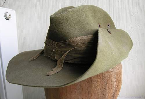 Click image for larger version.  Name:slouch hat 1.jpg Views:30 Size:220.9 KB ID:700033