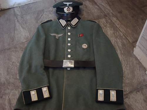 Click image for larger version.  Name:Parade Tunic 002.jpg Views:38 Size:236.5 KB ID:749293
