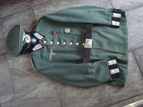 Click image for larger version.  Name:Parade Tunic 005.jpg Views:32 Size:218.9 KB ID:749294