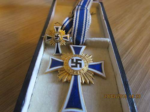 Click image for larger version.  Name:Gold Mother Crosses.jpg Views:33 Size:317.4 KB ID:807895