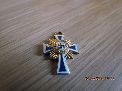 Click image for larger version.  Name:Gold Mothers Cross (1).jpg Views:36 Size:323.3 KB ID:807896