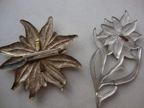 Click image for larger version.  Name:medals 056.jpg Views:68 Size:238.0 KB ID:83223