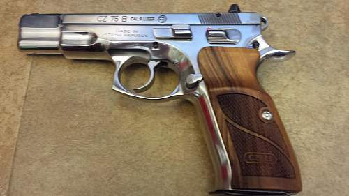 Click image for larger version.  Name:CZ with new wood.jpg Views:581 Size:64.6 KB ID:877149