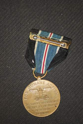 Click image for larger version.  Name:medal 004.jpg Views:28 Size:341.8 KB ID:888601