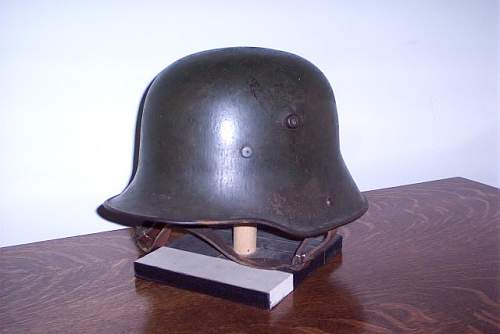 M16 Stahlhelm and matching Gasmaske