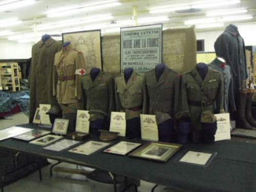 Click image for larger version.  Name:The Richmond WWIWWII Show August 2009 002.jpg Views:70 Size:125.6 KB ID:90978