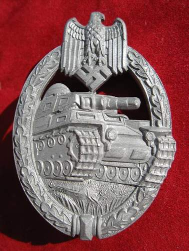 Click image for larger version.  Name:010 Panzer Assault Badge in silver FLL.jpg Views:505 Size:86.7 KB ID:93058