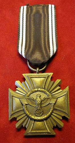 Click image for larger version.  Name:049 NSDAP Long Service Award 10 years.jpg Views:336 Size:68.5 KB ID:93868