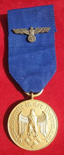 Click image for larger version.  Name:041 Army 12 years Service Medal.jpg Views:189 Size:58.2 KB ID:93880
