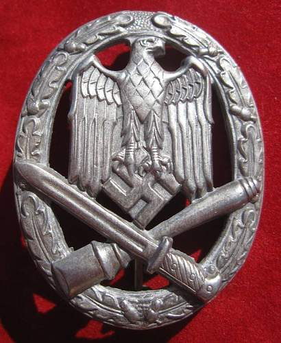 Click image for larger version.  Name:030 General Assault Badge.jpg Views:1823 Size:90.7 KB ID:93884