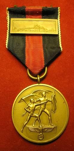 Click image for larger version.  Name:079 Commemorative Medal 1.october 1938 w Prague claps.jpg Views:222 Size:178.2 KB ID:93961