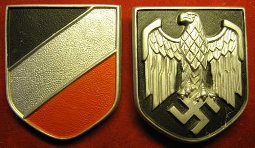 Click image for larger version.  Name:211 Dak pith shields JR&S - Assmann.jpg Views:136 Size:222.9 KB ID:94557