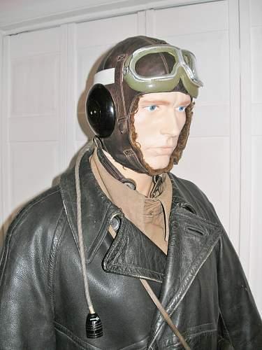 WW2 Period Soviet Pilot or Aircrewmen