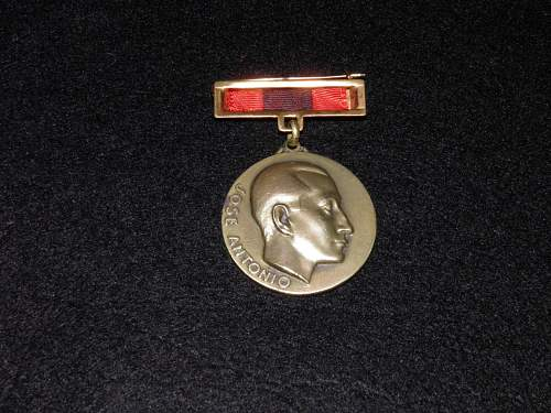 Click image for larger version.  Name:medal1.jpg Views:4 Size:127.9 KB ID:972709