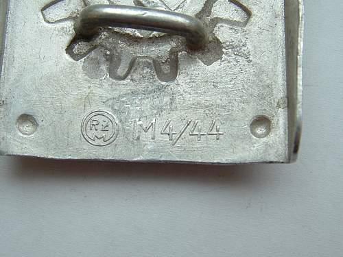 Diversity of the DAF-Werkschar/Werktruppen buckle