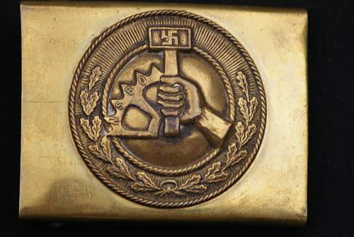 Click image for larger version.  Name:Militaria 013.jpg Views:51 Size:213.7 KB ID:648997