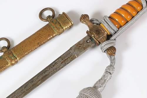 2 daggers from American veteran, genuine?