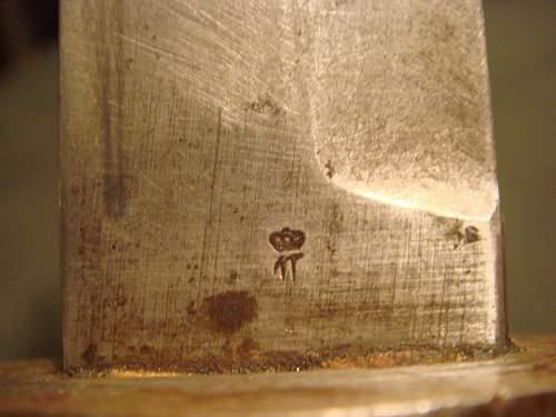 ? WW1 or WW2 German trench knife?