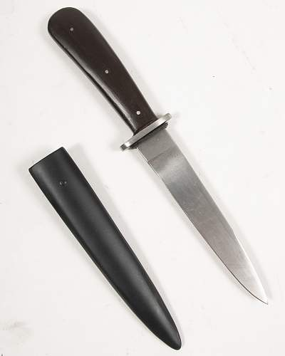 Reproduction PUMA fighting knife