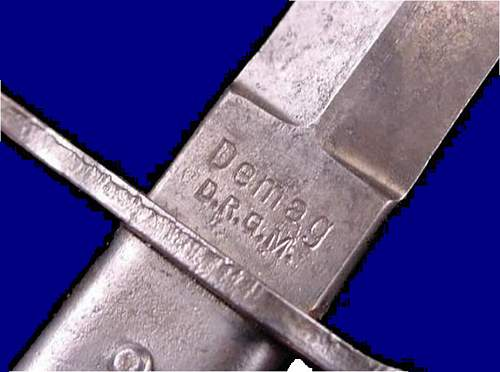 Click image for larger version.  Name:German Crank Handle DEMAG Bayonet & Fighting Knife-WWIi.jpg Views:1043 Size:58.8 KB ID:214985