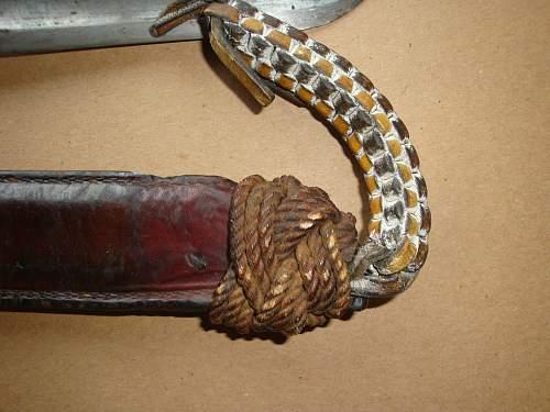 i need help identifying this dagger