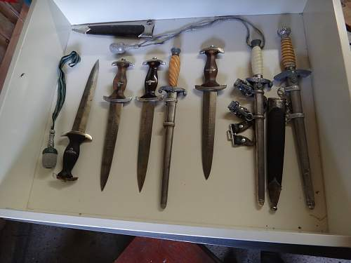 Thoughts of a couple of German daggers? Heer, SA, Luftwaffe.