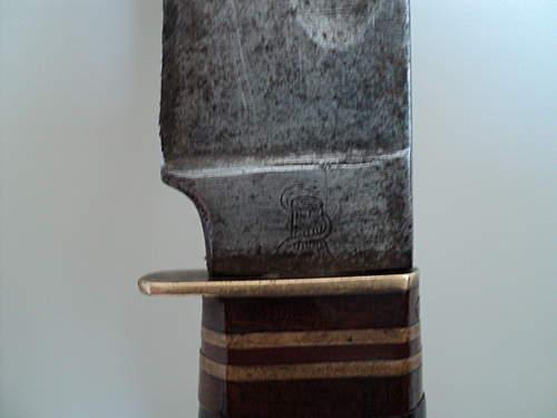need help on identifiyng maker of a knife