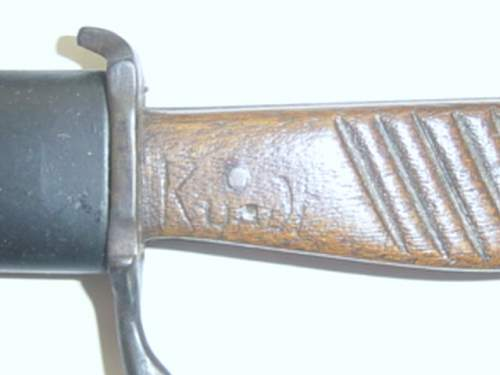 Click image for larger version.  Name:WW1 close comabat knife. Owners name scratched on grip..jpg Views:48 Size:50.9 KB ID:63662