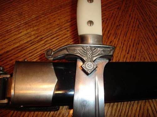 Late War Teno EM; Etched S.N. on Scabbard.