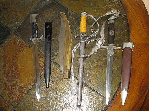 Click image for larger version.  Name:pauls daggers 001.jpg Views:68 Size:251.3 KB ID:83807