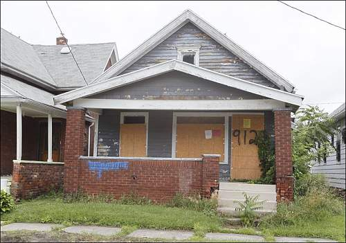Click image for larger version.  Name:Belmont-Avenue-boarded-up-house.jpg Views:20 Size:93.0 KB ID:870430