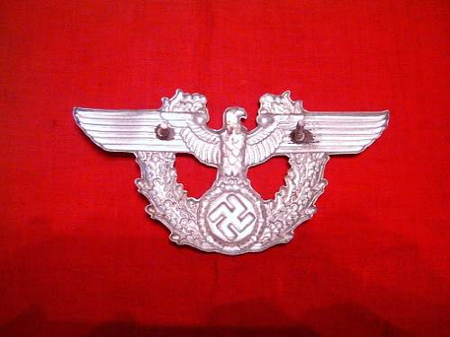 Click image for larger version.  Name:WWII German Police shako hat insignia ORIGINAL!!!2.jpg Views:574 Size:129.7 KB ID:100596