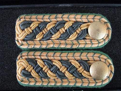 a little help with some shoulder boards