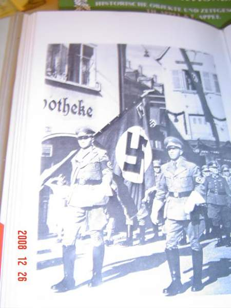 Click image for larger version.  Name:Third Reich Collection 686.jpg Views:53 Size:44.5 KB ID:22244