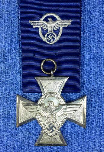 Click image for larger version.  Name:Polizei 18 yr Obverse.jpg Views:66 Size:370.5 KB ID:435603