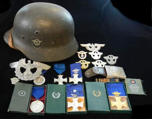 Click image for larger version.  Name:Polizei-Collection-Helmet-2013-01-01.jpg Views:153 Size:270.4 KB ID:444990