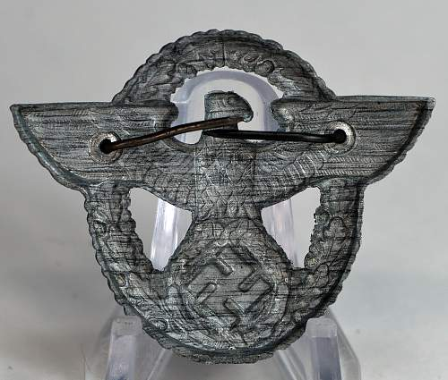 Polizei Cap badge for review